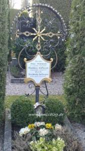 Grab von Oma Steinmetz, Matthias & Prof. Dr. Friedrich Hoffmann